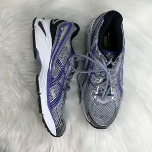 Like new oasis running shoes size 9